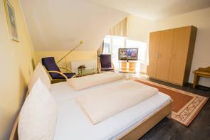 gemütliches Hotelzimmer